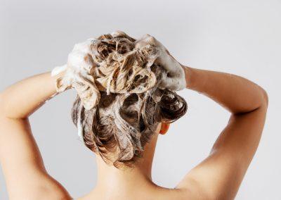 Silikone und Parabene in der Haarpflege – sinnvoll oder schädlich?